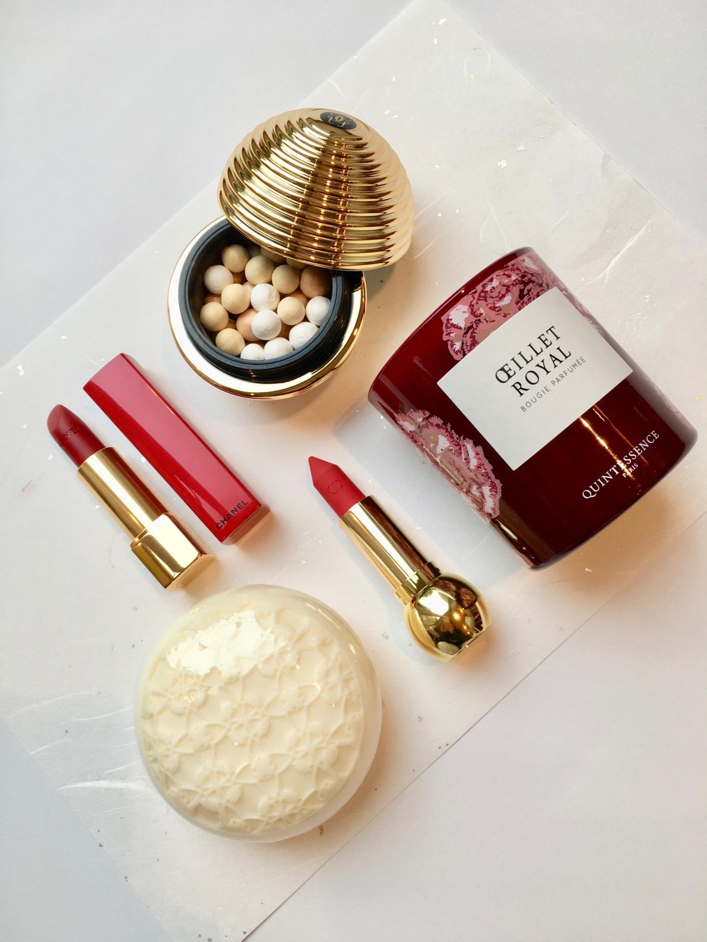 gold Christmas make-up